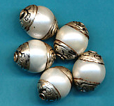 White Pearl Capped 15 mm.JPG